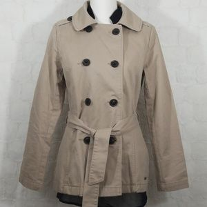 Levi's double breasted whit belt coat.